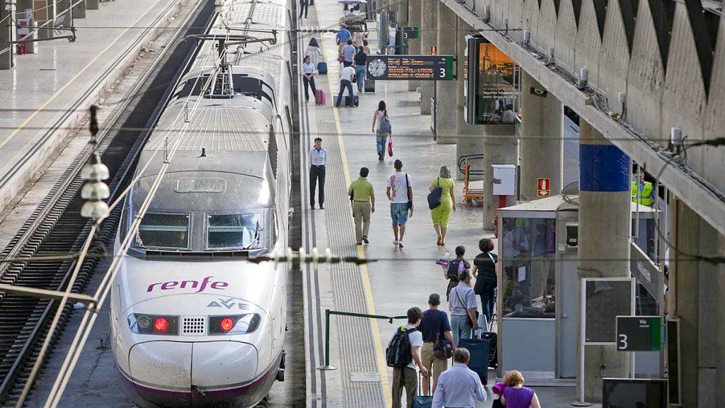 Picture - ShootOutside Film/Photo Fixer Services Spain Madrid RENFE ZDF - Train